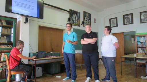 Prezentacija timskih rešenja tokom Hakatona.